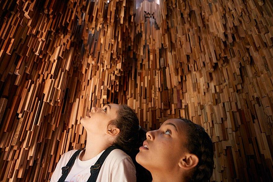 installazione-10000-alberi-bristol-katie-paterson-hollow-11