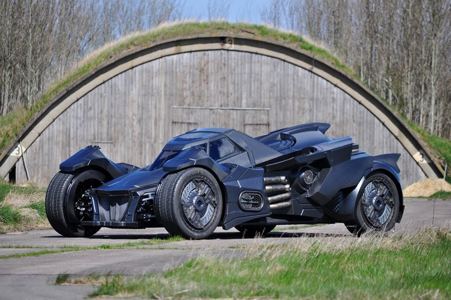 lamborghini-diventa-batmobile-arkham-knight-caresto-02
