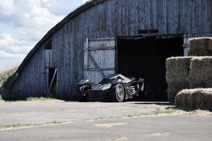 lamborghini-diventa-batmobile-arkham-knight-caresto-05