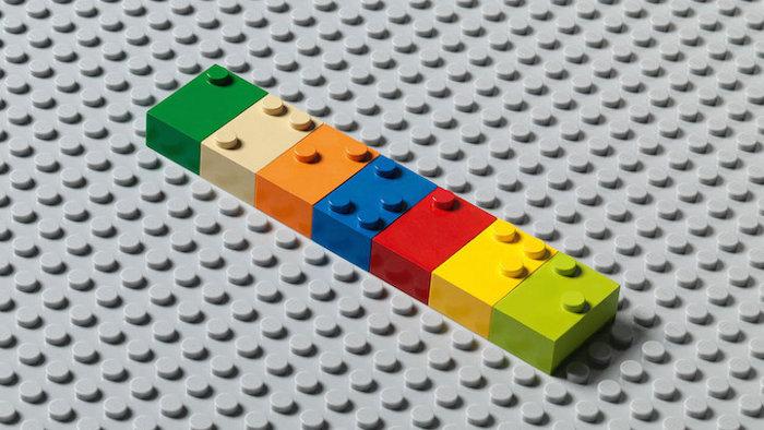mattoncini-braille-costruzioni-insegnano-leggere-bambini-ciechi-1
