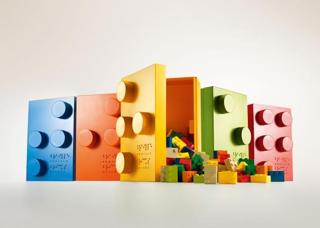 mattoncini-braille-costruzioni-insegnano-leggere-bambini-ciechi-6