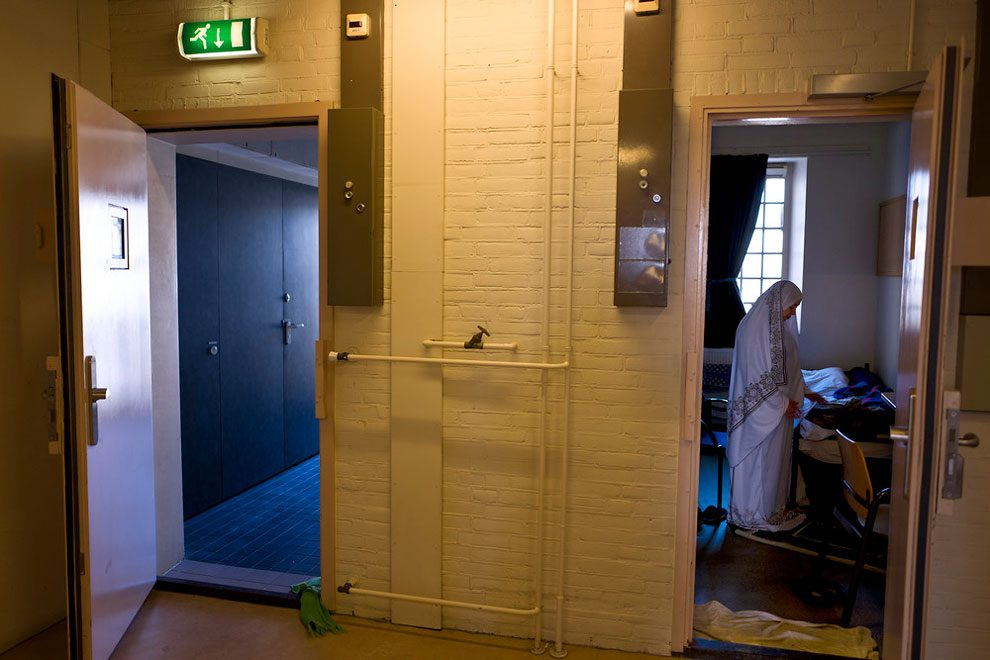 prigioni-carceri-olanda-diventano-centri-accoglienza-rifugiati-05