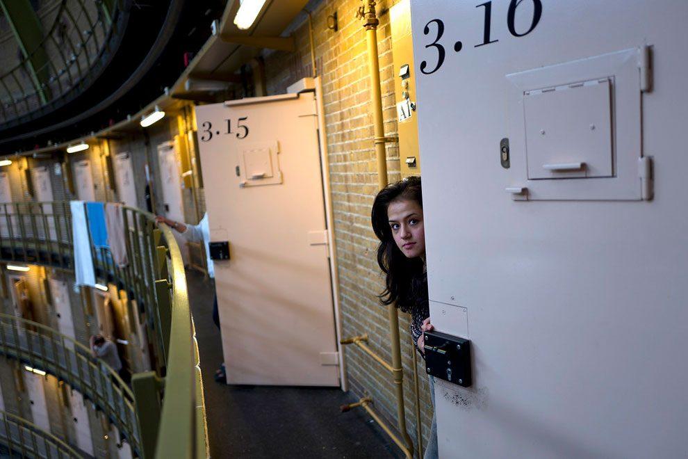 prigioni-carceri-olanda-diventano-centri-accoglienza-rifugiati-07