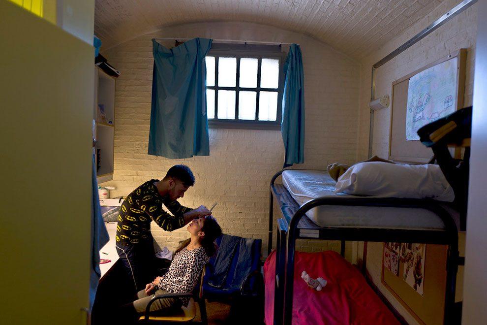 prigioni-carceri-olanda-diventano-centri-accoglienza-rifugiati-08