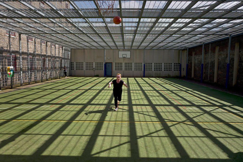 prigioni-carceri-olanda-diventano-centri-accoglienza-rifugiati-10