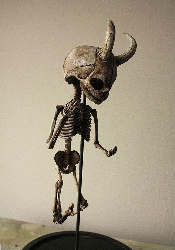 scheletri-teschi-strani-merrylin-cryptid-collection-londra-08
