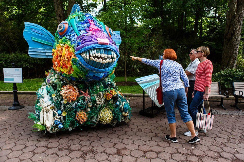 sculture-animali-rifiuti-plastica-oceani-smithsonian-national-zoo-01