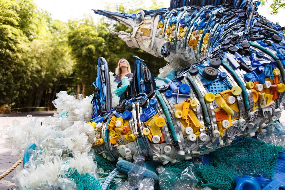 sculture-animali-rifiuti-plastica-oceani-smithsonian-national-zoo-09