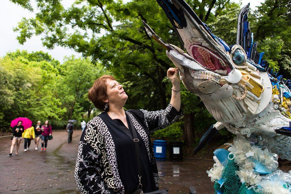 sculture-animali-rifiuti-plastica-oceani-smithsonian-national-zoo-10