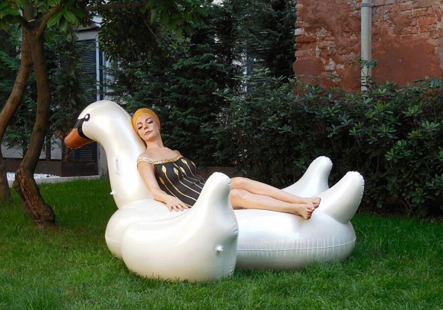 sculture-iperrealismo-donne-nuotatrici-carol-feuerman-03-keb