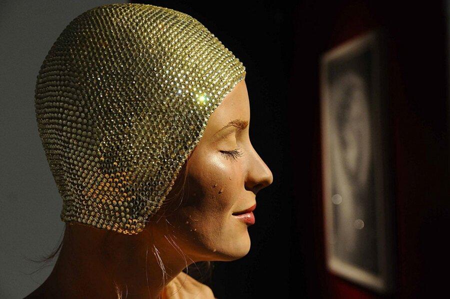 sculture-iperrealismo-donne-nuotatrici-carol-feuerman-04-keb