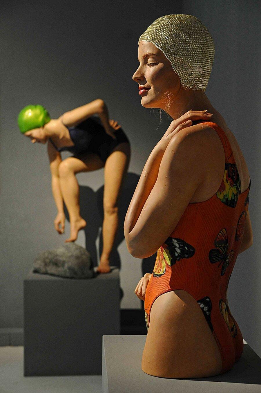 sculture-iperrealismo-donne-nuotatrici-carol-feuerman-07-keb