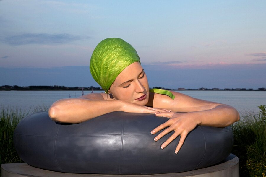 sculture-iperrealismo-donne-nuotatrici-carol-feuerman-13-keb