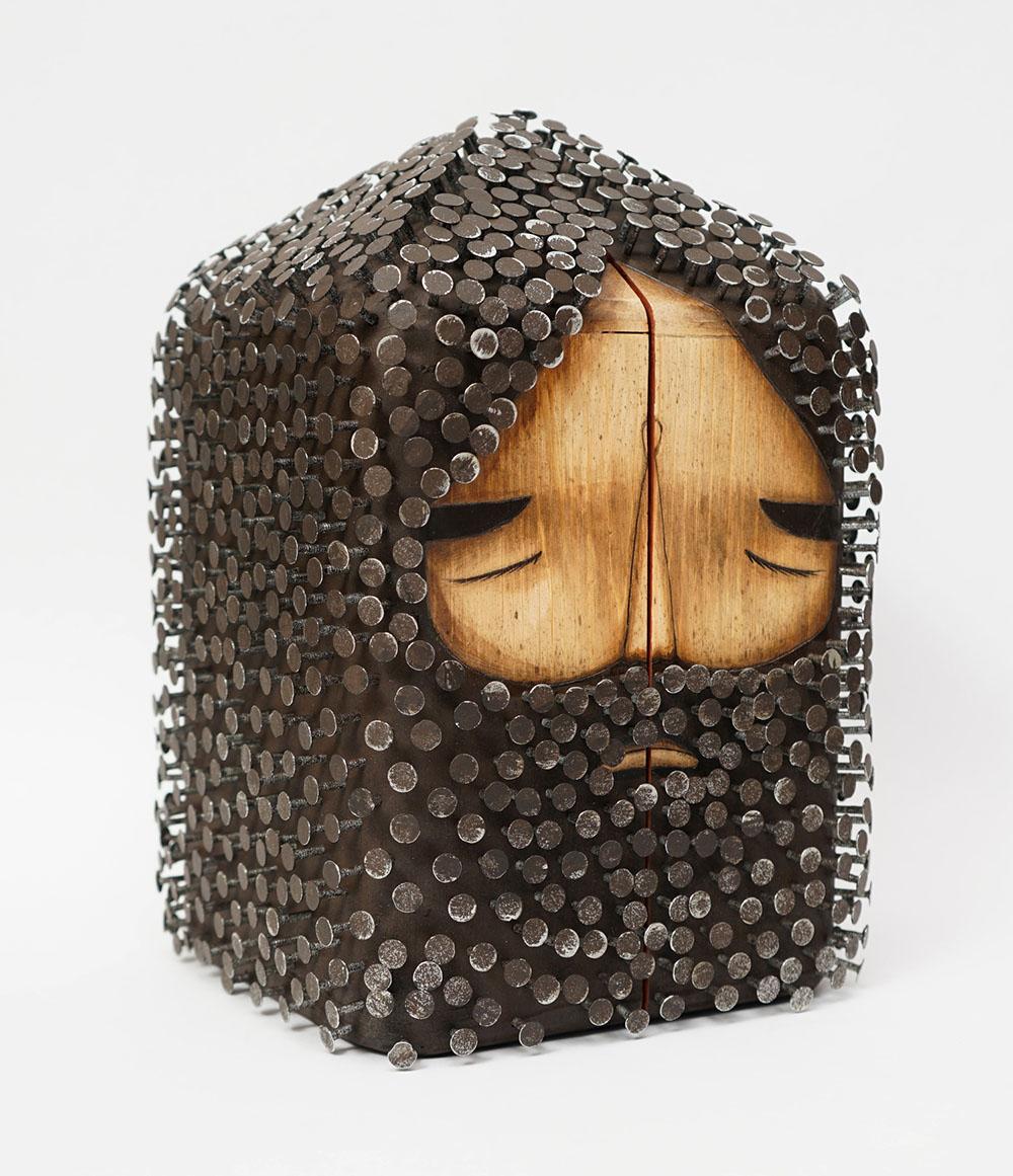 sculture-legno-riciclato-chiodi-capelli-barba-jaime-molina-6