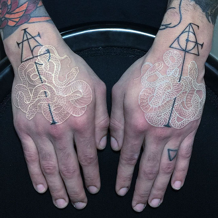 tatuaggi-bianco-e-nero-serpenti-mirko-sata-satatttvision-08