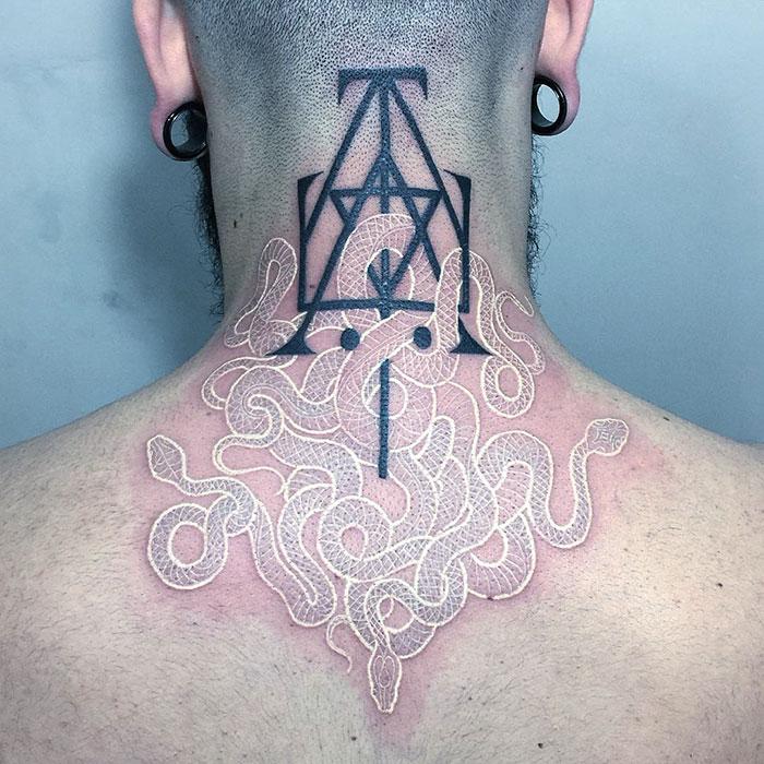 tatuaggi-bianco-e-nero-serpenti-mirko-sata-satatttvision-09