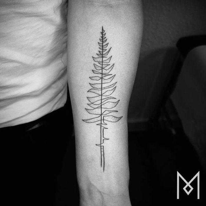 tatuaggi-minimali-eleganti-singola-linea-mo-gangi-3