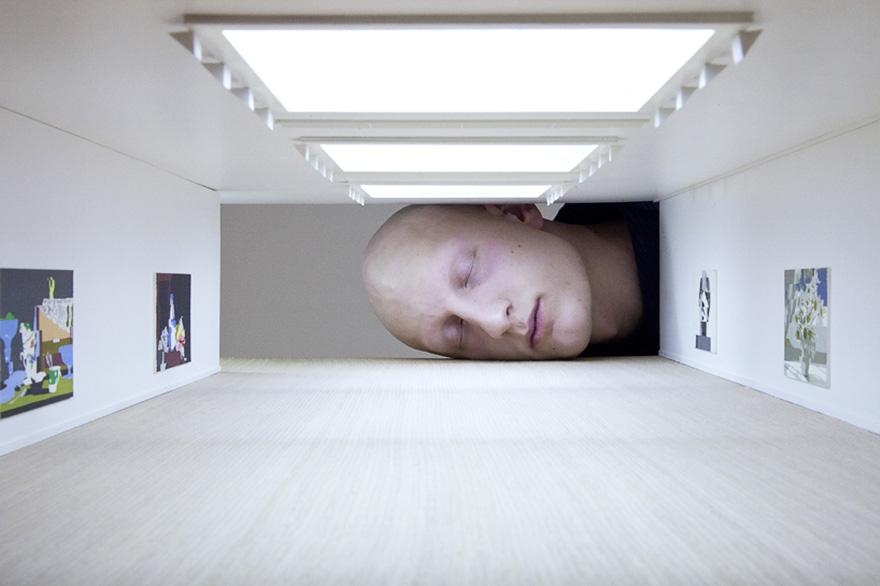 teste-giganti-dentro-gallerie-arte-famose-falsification-tezi-gabunia-08