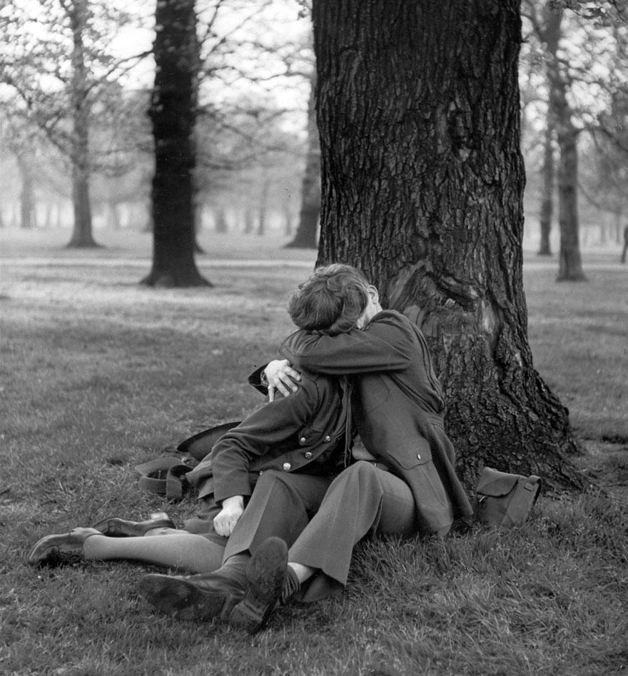 vecchie-foto-vintage-innamorati-seconda-guerra-mondiale-amore-01