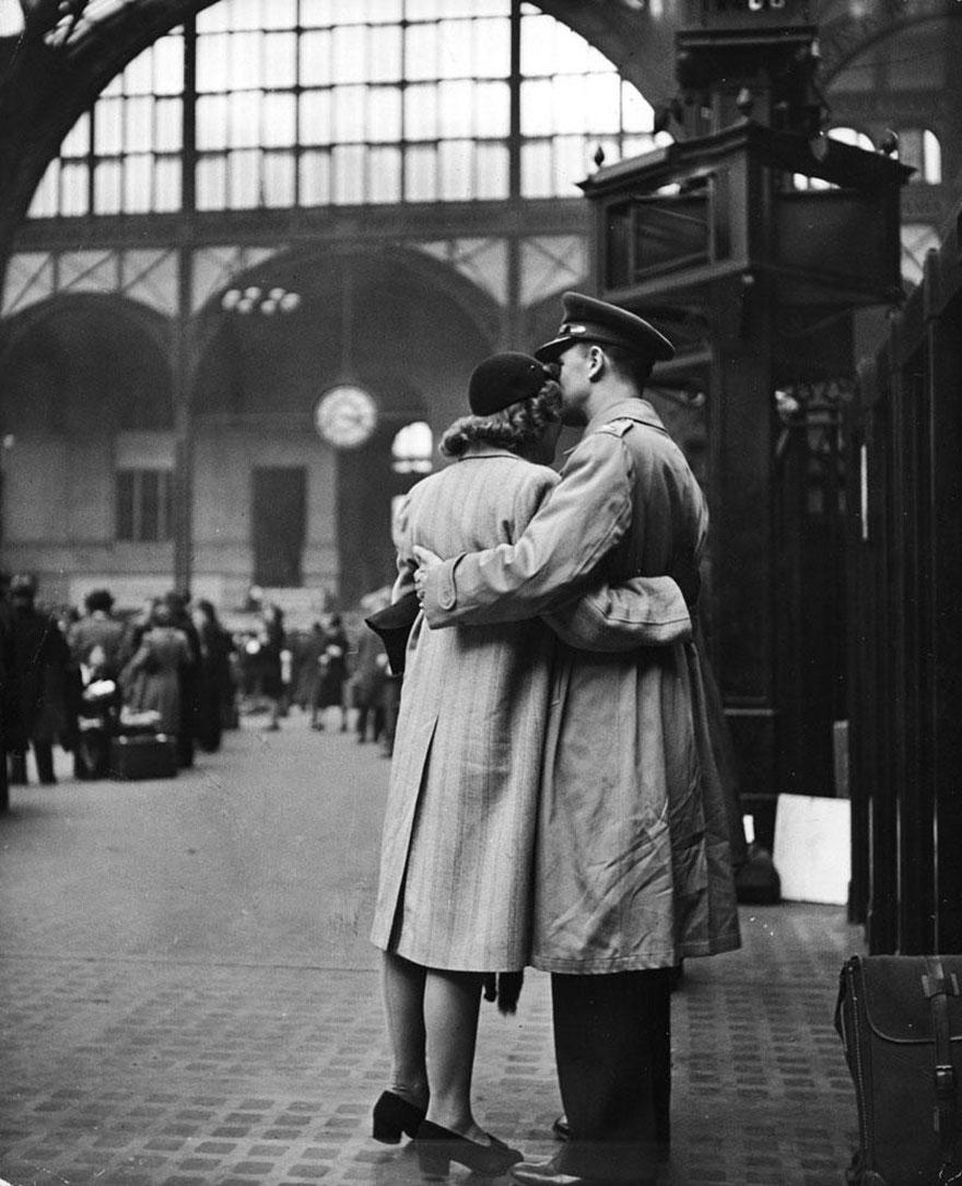 vecchie-foto-vintage-innamorati-seconda-guerra-mondiale-amore-05