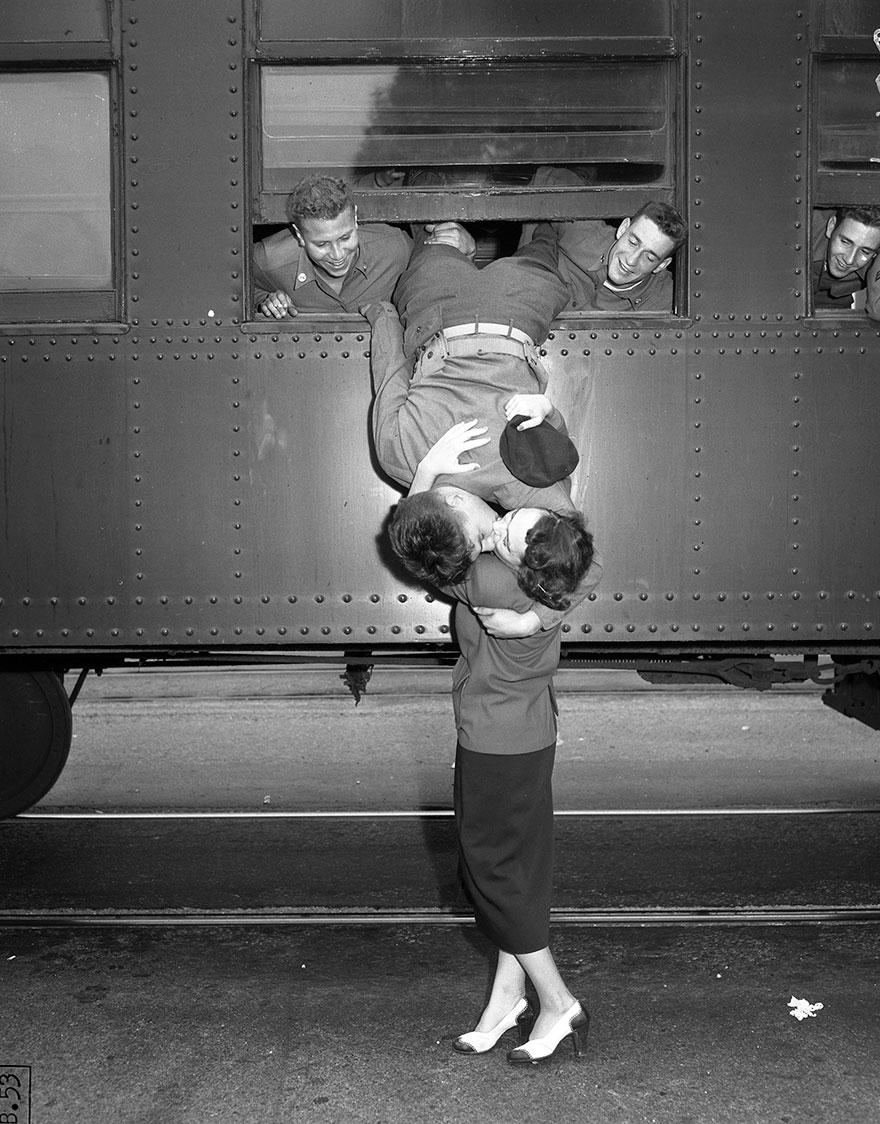 vecchie-foto-vintage-innamorati-seconda-guerra-mondiale-amore-07