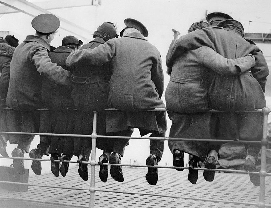 vecchie-foto-vintage-innamorati-seconda-guerra-mondiale-amore-12