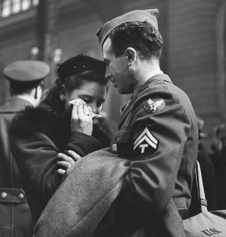 vecchie-foto-vintage-innamorati-seconda-guerra-mondiale-amore-13