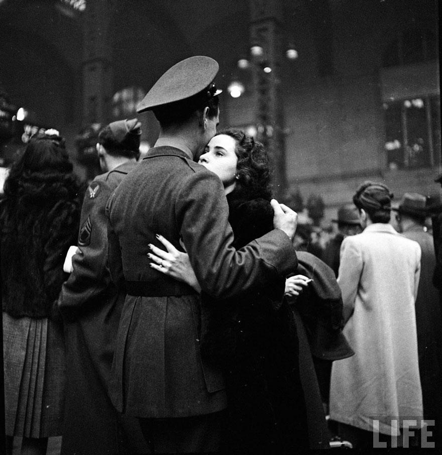 vecchie-foto-vintage-innamorati-seconda-guerra-mondiale-amore-14