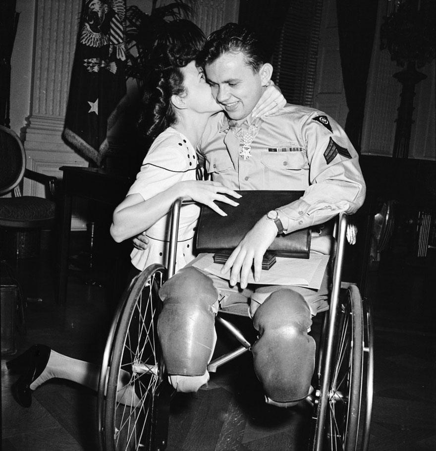 vecchie-foto-vintage-innamorati-seconda-guerra-mondiale-amore-15