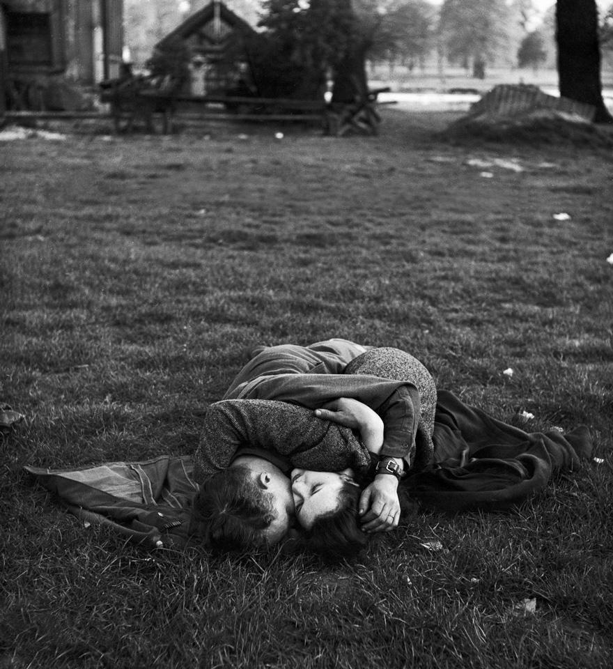 vecchie-foto-vintage-innamorati-seconda-guerra-mondiale-amore-20