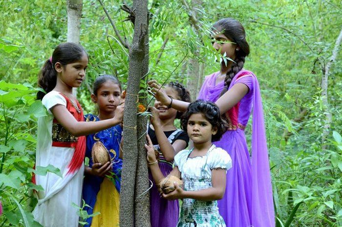 villaggio-india-piantano-111-alberi-ogni-bambina-nata-piplantri-1