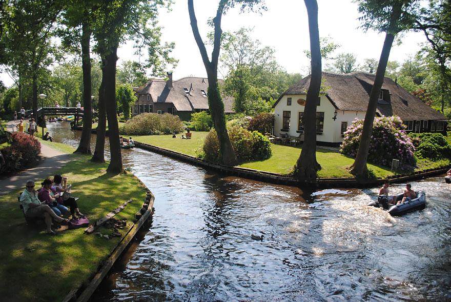 villaggio-senza-strade-canali-giethoorn-paesi-bassi-07