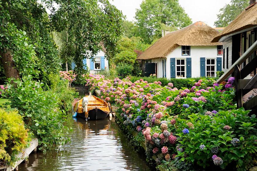 villaggio-senza-strade-canali-giethoorn-paesi-bassi-10