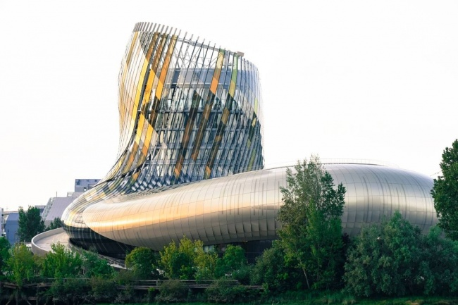 Citta-del-vino-museo-tematico-bordeaux-1
