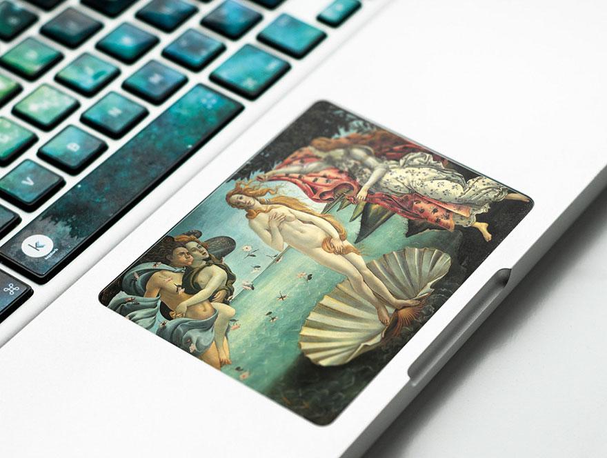 adesivi-opere-famose-trasformano-tastiera-computer-portatile-anna-and-sebastian-5
