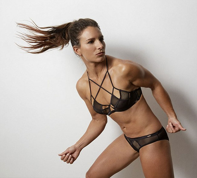 campagna-favore-sport-sexy-atlete-lingerie-foto-3
