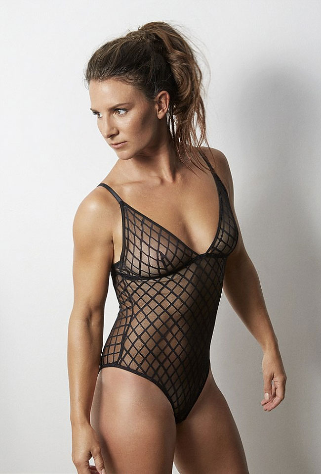 campagna-favore-sport-sexy-atlete-lingerie-foto-8