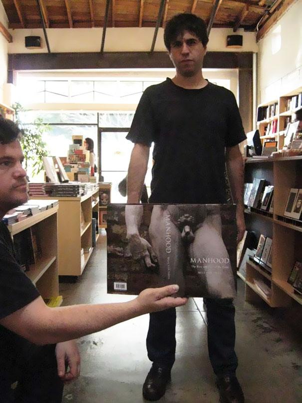 copertine-libri-riviste-creano-divertenti-illusioni-ottiche-17