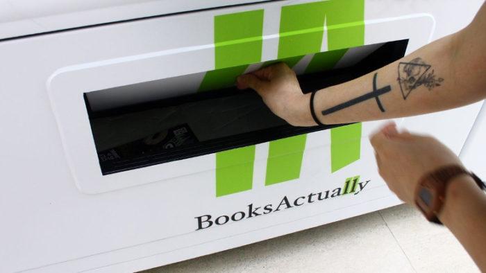 distributori-automatici-vendono-libri-singapore-booksactually-8