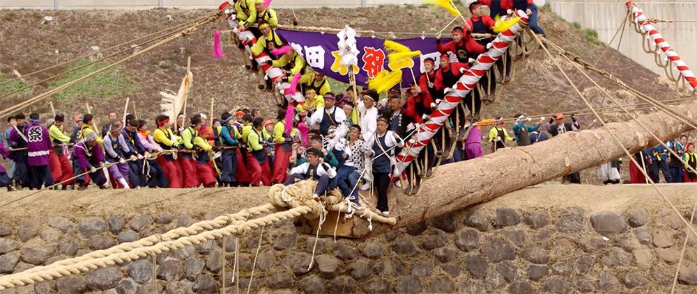 festival-tronchi-cavalcati-giappone-onbashira-1