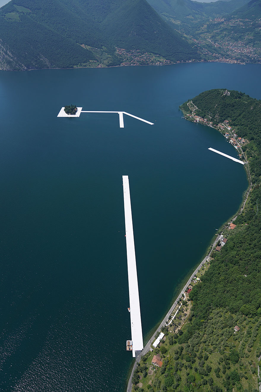 floating-piers-installazione-passerella-lago-iseo-christo-jeanne-claude-05