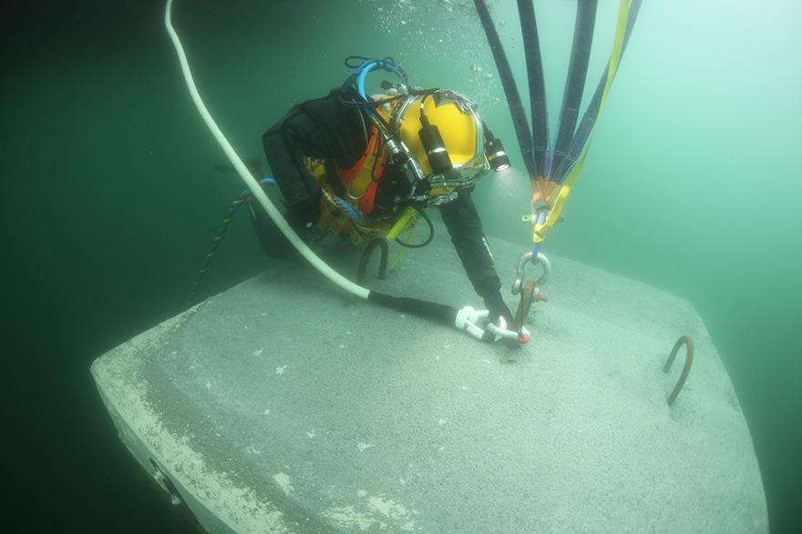 floating-piers-installazione-passerella-lago-iseo-christo-jeanne-claude-13