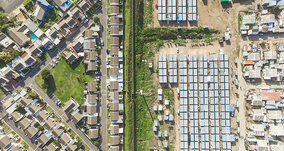 foto-drone-linee-divisione-ricchi-poveri-repubblica-sud-africa-johnny-miller-03