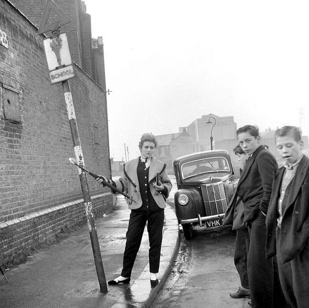 foto-vintage-londra-anni-50-bande-donne-girl-gang-ken-russell-05