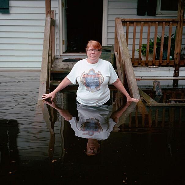fotografie-effetti-cambiamenti-climatici-drowning-world-gideon-mendel-13