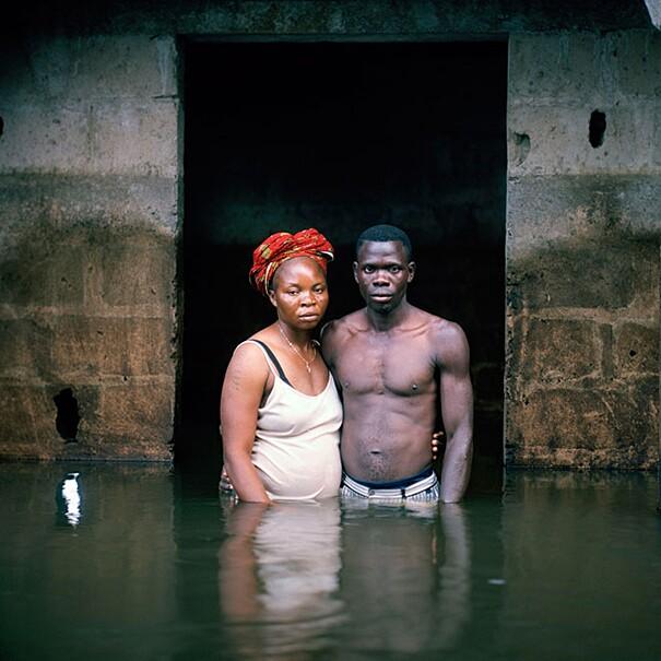 fotografie-effetti-cambiamenti-climatici-drowning-world-gideon-mendel-14