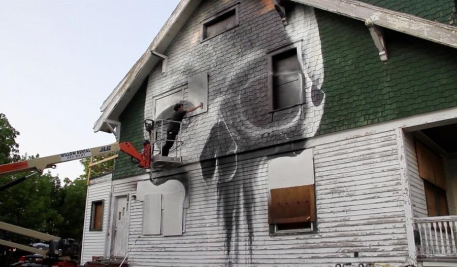 installazioni-arte-case-deturpate-ian-strange-suburban-12