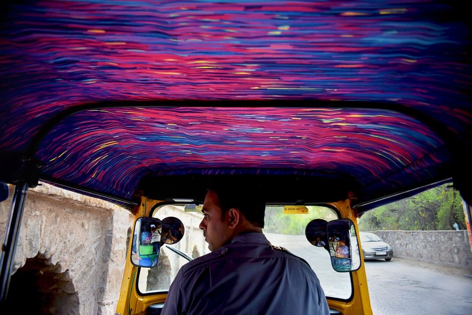 interno-riscio-illustrazioni-ispirate-van-gogh-nasheet-shadani-taxi-fabric-09