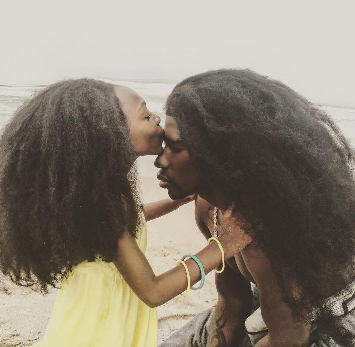 padre-figlia-foto-capelli-lunghssimi-benny-harlem-jaxyn-7