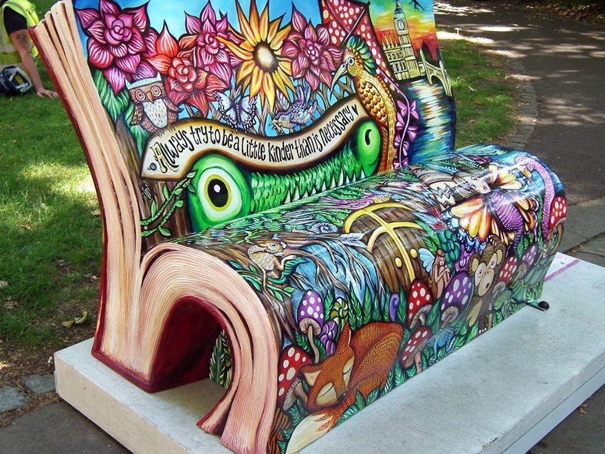 panchine-letterarie-decorate-libri-famosi-londra-2014-02